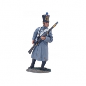36093 - French Line Infantry Fusilier in Greatcoat Reaching for Cartridge No.1
